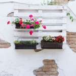 Riciclo fai da te in giardino: idee creative per arredare spazi all'aperto