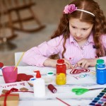 Biglietti di auguri fai-da-te da disegnare con il vostro bambino: divertirsi, stupire e risparmiare!