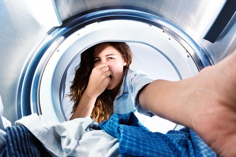 Cosa-fare-se-la-lavatrice-puzza