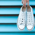 Come lavare le scarpe in lavatrice: i consigli per non commettere errori!