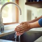 Risparmiare acqua in casa: 10 trucchi semplici da usare tutti i giorni!