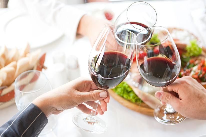 come togliere macchie di vino rosso