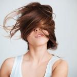 Capelli secchi: impacchi e maschere per proteggerli da vento e salsedine!