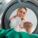 Lavatrice sporca: da cosa dipendono muffe, melma e cattivi odori?