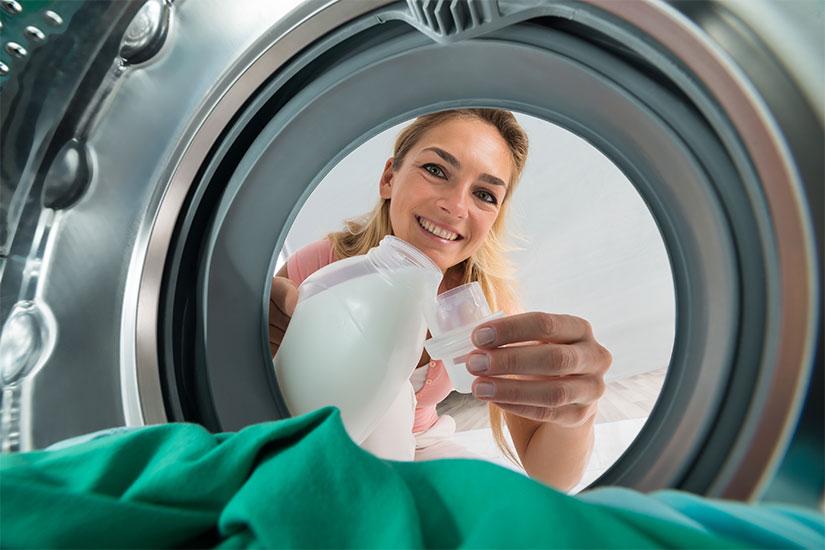 lavatrice sporca che puzza