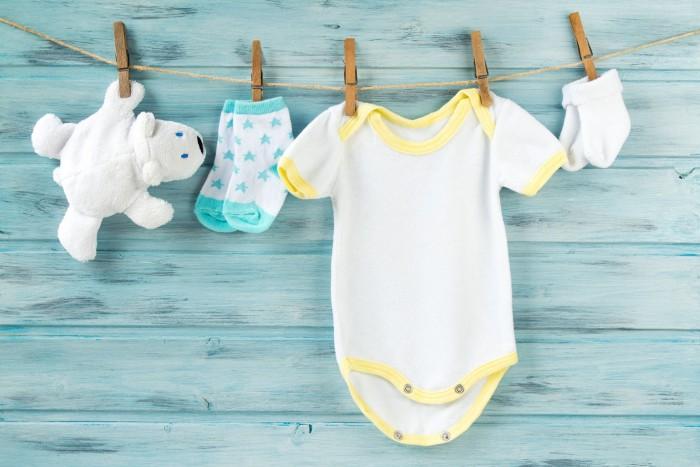 lavare i vestiti dei neonati