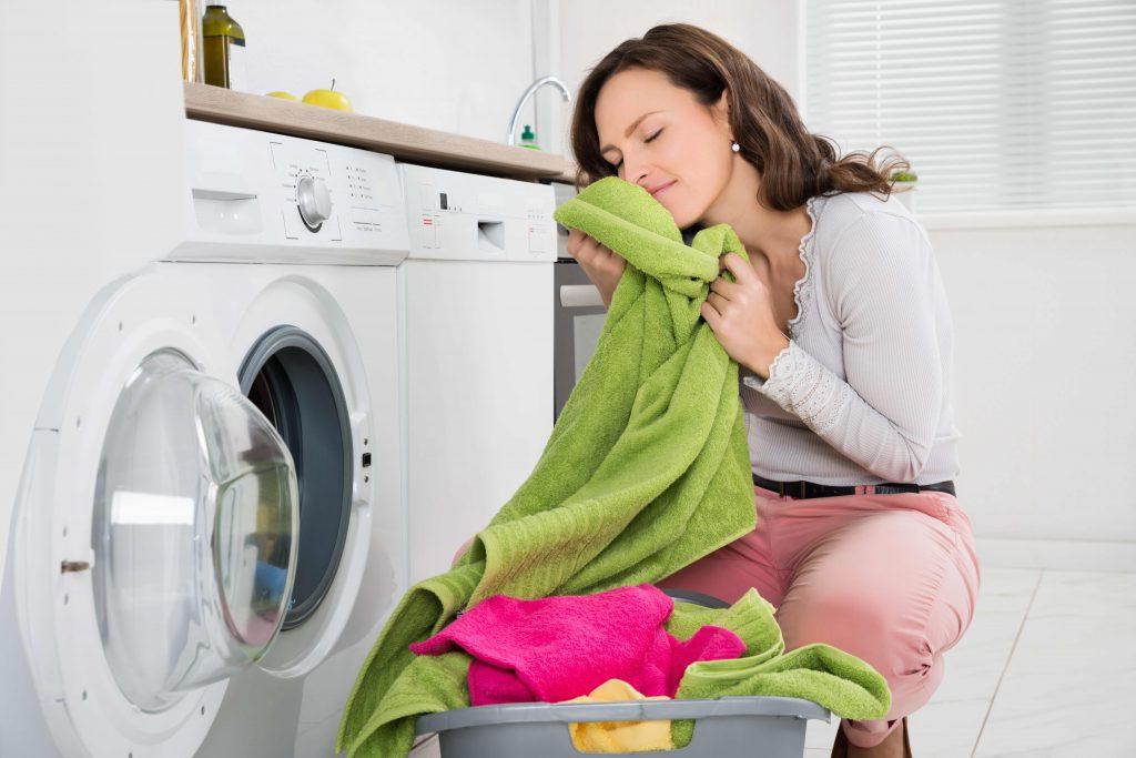 bucato e indumenti profumati dopo il lavaggio